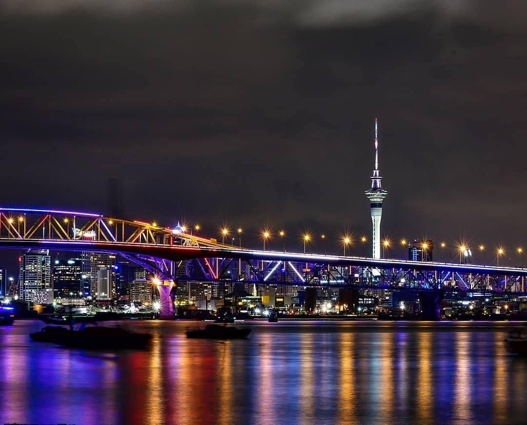 vector lights auckland harbour bridge beveragesmart limited